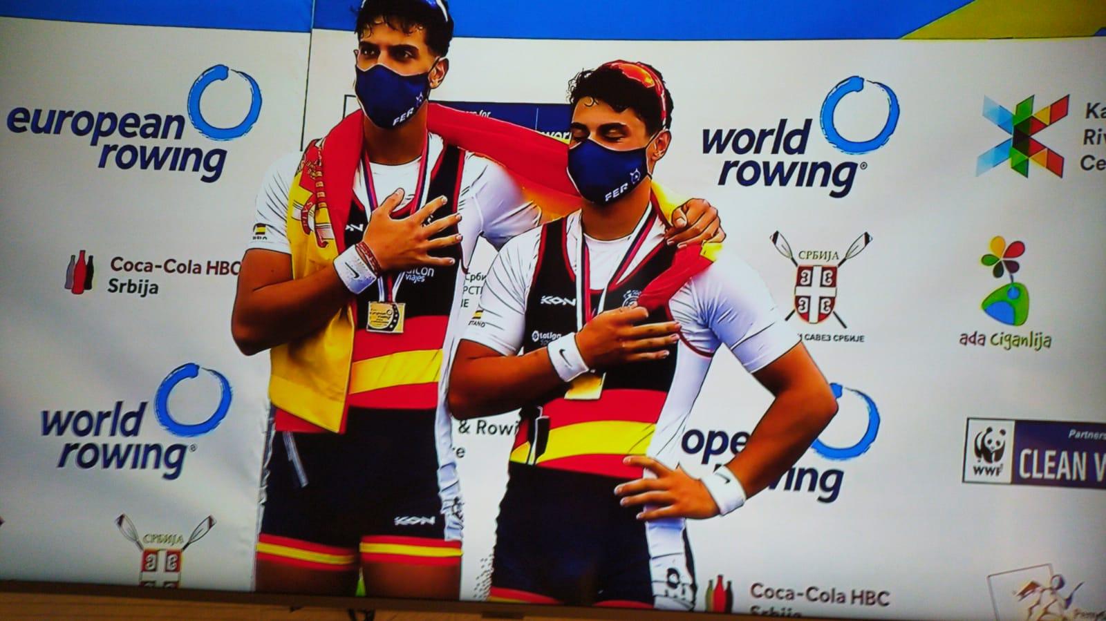 Pablo Moreno y Caetano Horta, en el podio.jpg