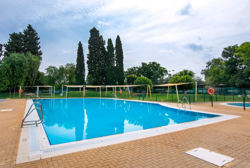 Piscina familiar1.jpg